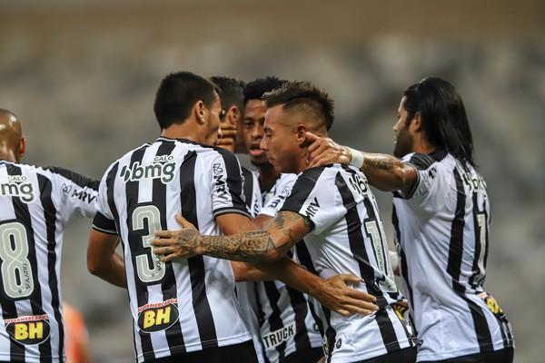 Jogadores do Atlético-MG comemoram vitória contra o Coimbra — Foto: Pedro Souza/Atlético-MG